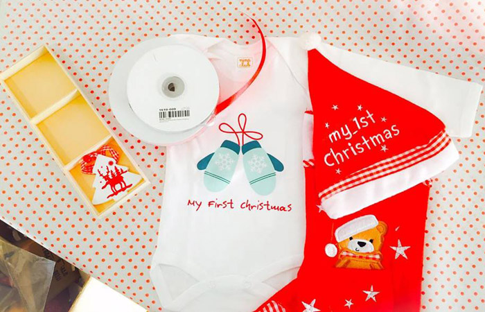Firstimemommy - First Τime Christmas!